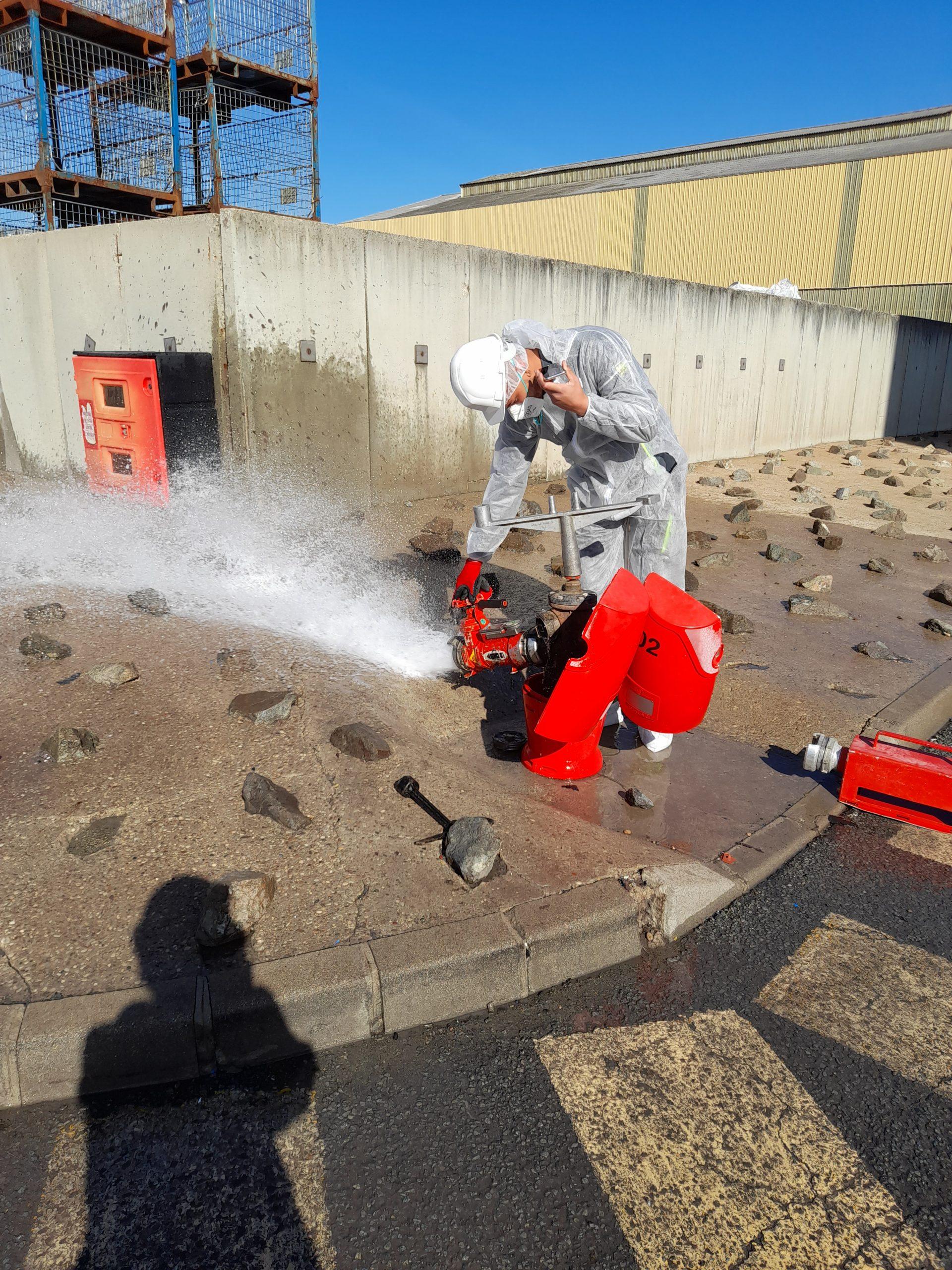 Contrôles simultanés des poteaux incendie du dispositif de défense extérieure contre l'incendie du site de RECYLEX à Arnas dans le Rhône
