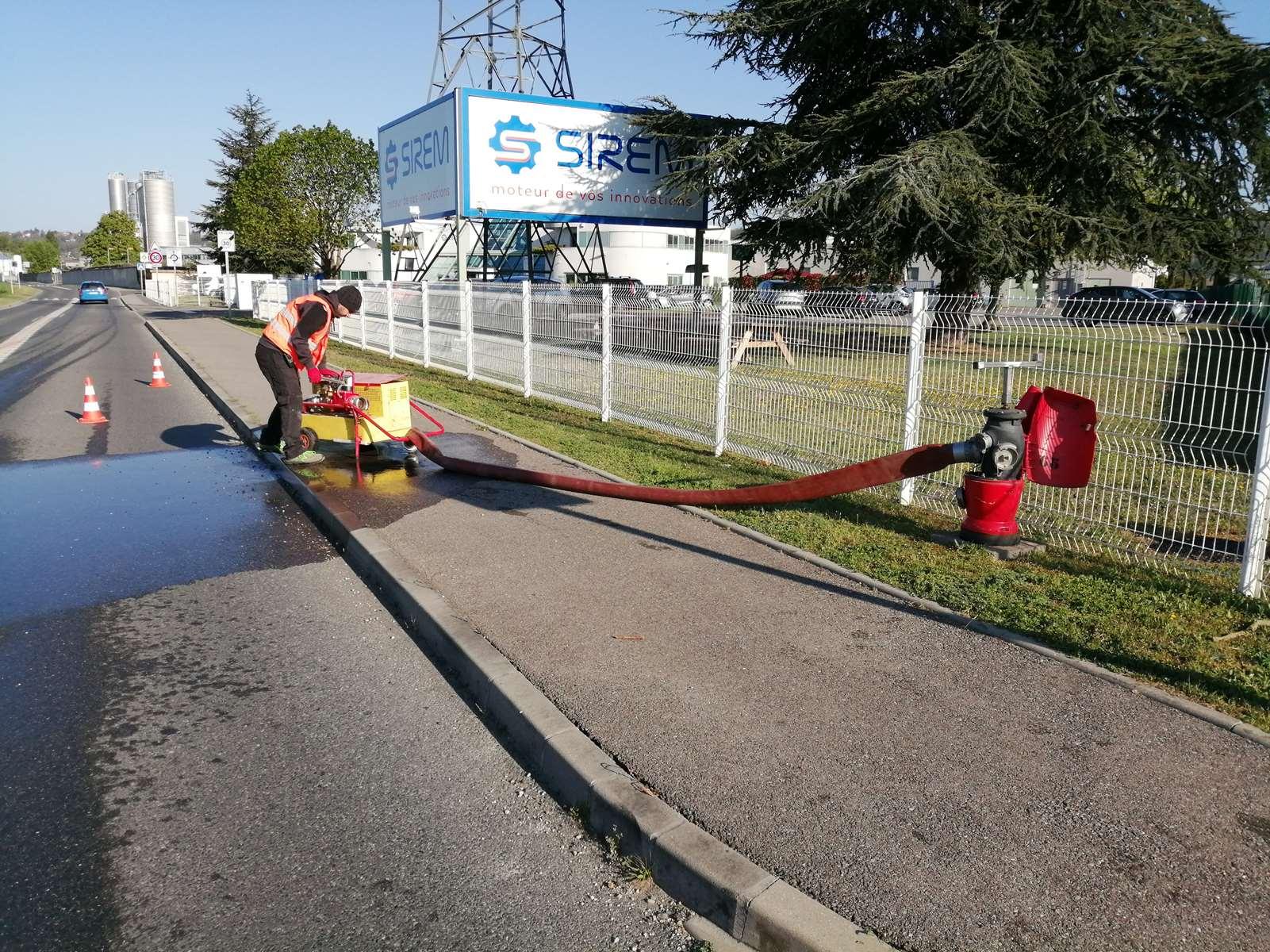Contrôle de débit en simultané des poteaux incendie du site industriel STEEP PLASTIQUE à Beynost dans l'Ain